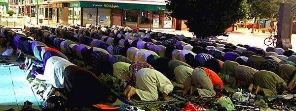 Mollet: Un nou símptoma de la creixent violència musulmana.