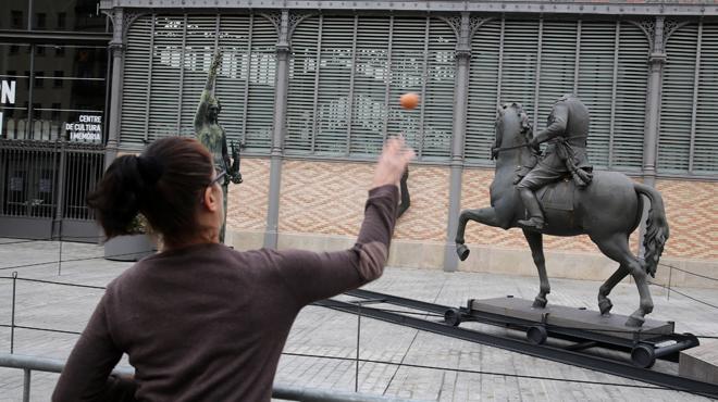 NO a l'estàtua de Franco al Born!